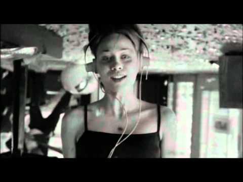 Fiona Apple – Across The Universe